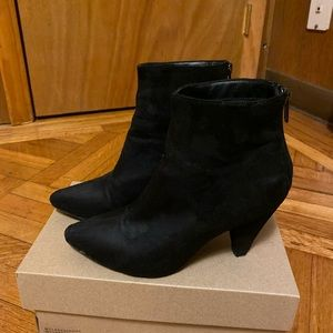 Suede Black Boots (US 6)
